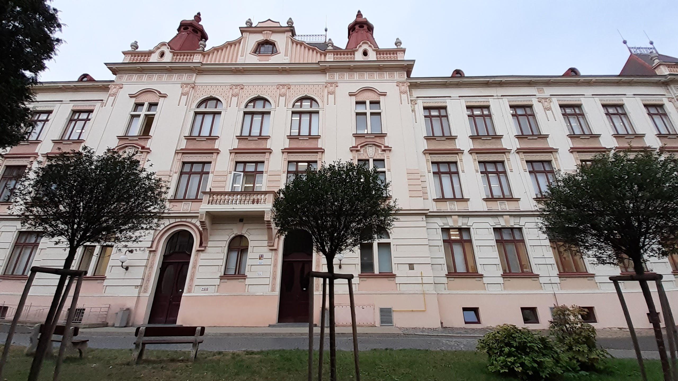 Objekt budovy základní školy v Roudnici nad Labem